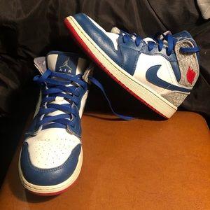 Air Jordan 1 Mid True Blue Sneakers